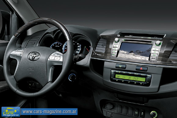 hilux-tv-gps-dvd