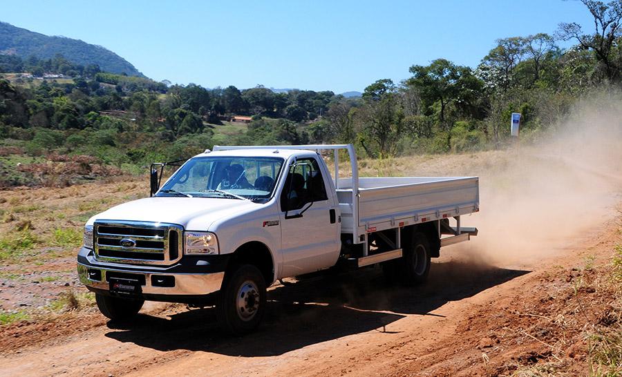 nuevo-ford-4000-2