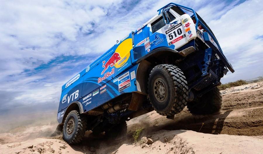Unimog-Nemesis-Red-Bull-KAMAZ-4911-Dakar-T4-Hero-34