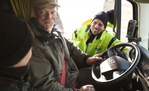 Volvo_Trucks_vs_750_Tonnes_10_lowres