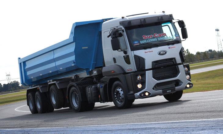 apertura-ford-cargo-2042