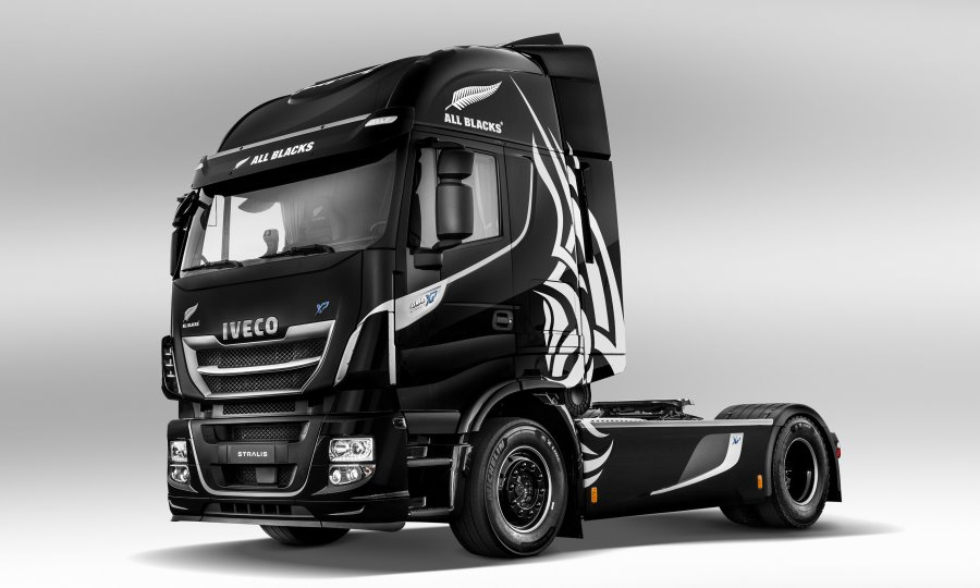 iveco-all-blacks