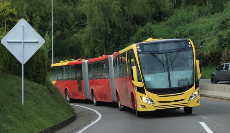 scania-bus-biarticulado-3