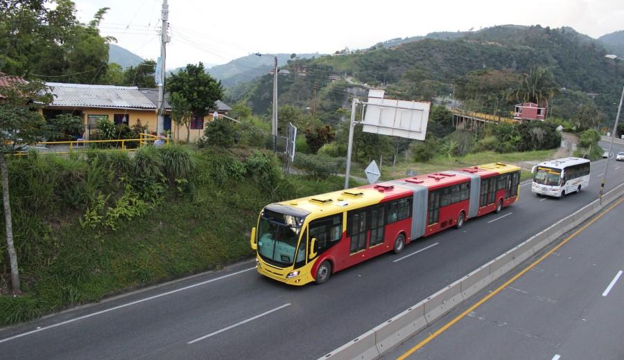 scania-bus-biarticulado-4